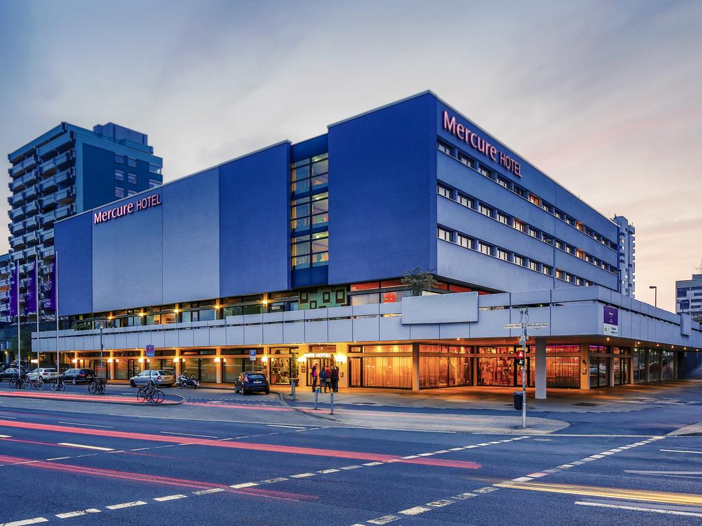 Mercure Hotel Atrium Braunschweig. Id?al pour vos voyages professionnels ou priv?s?: ? 150?m de la gare principale, le Mercure Hotel Brunswick Atrium