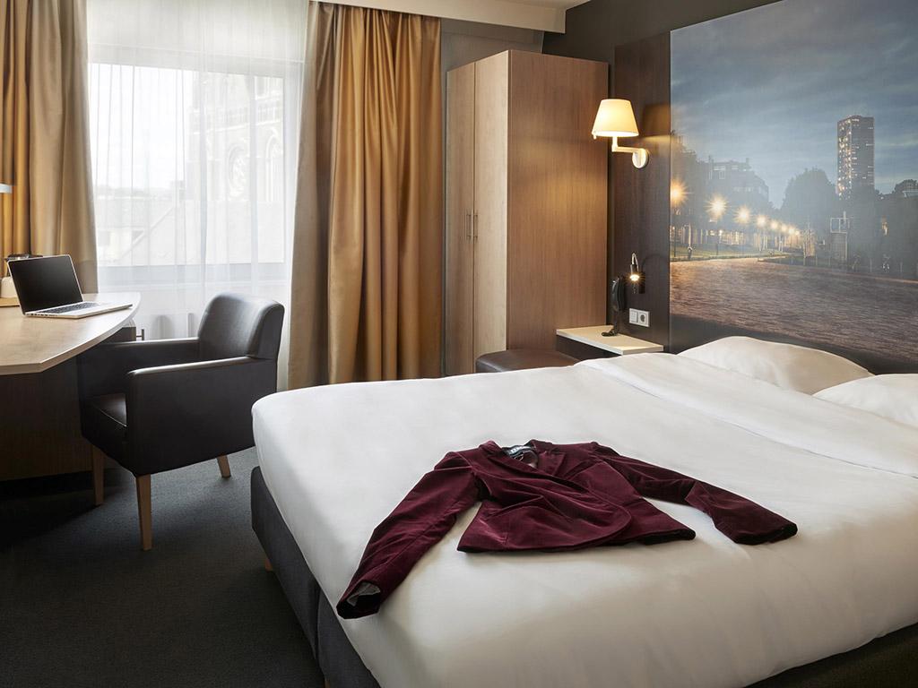 Mercure Hotel Tilburg Centrum. Posez vos valises et profitez de votre s?jour au Mercure Hotel Tilburg Centrum. Cet ?tablissement quatre ?toiles est id