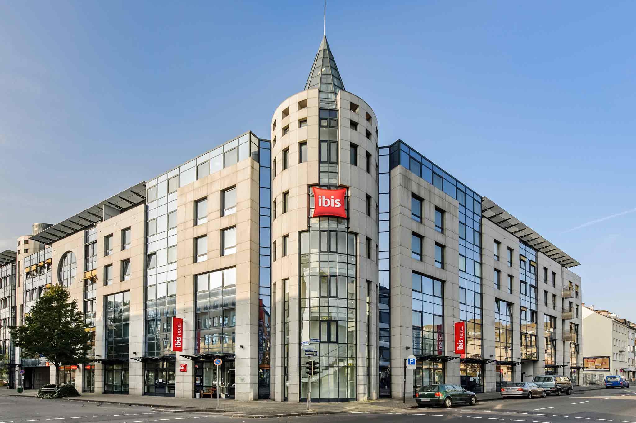 ibis Koblenz City. Situ? en plein centre-ville, l'h?tel ibis Koblenz City vous propose un service de location de v?los. Il dispose de 106?chambres cli
