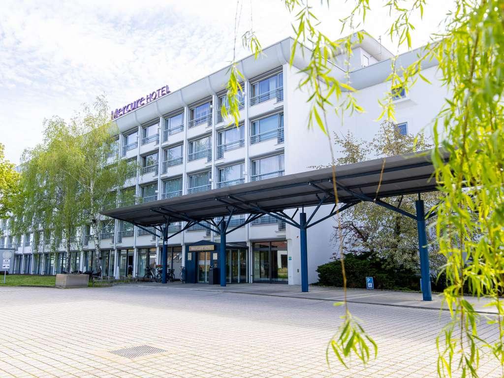 Mercure Hotel Riesa Dresden Elbland. Le Mercure Hotel Riesa Dresden Elbland propose un parking gratuit et 103 chambres climatis?es avec acc?s WIFI. Ce