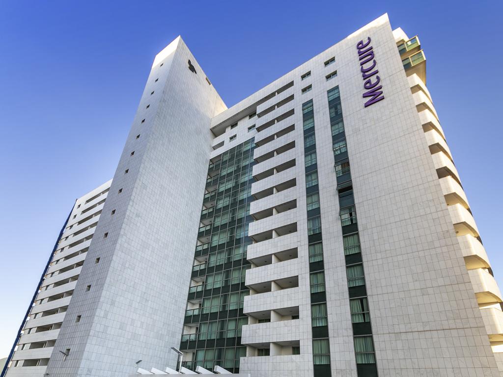Mercure Brasilia Lider Hotel. Le Mercure Bras?lia L?der est situ? dans le quartier h?telier nord, ? 15 km de l'a?roport et 12 km de la gare routi?re.