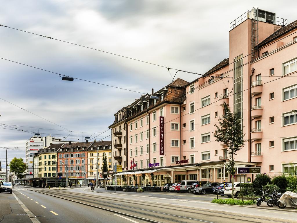 Mercure Stoller Zurich. Situ? au coeur du quartier branch? de Zurich-Ouest, le Mercure Hotel Stoller Zurich offre tout ce qu'un h?tel de ville peut of
