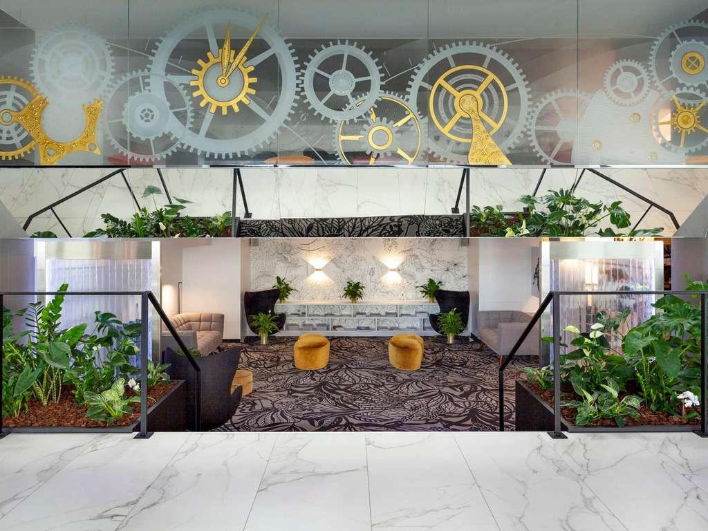 Mercure Plaza Biel. Le Mercure Hotel Plaza Biel se trouve dans le centre-ville, pr?s de la zone pi?tonne et la gare de Bienne. Cet h?tel 4 ?toiles vou