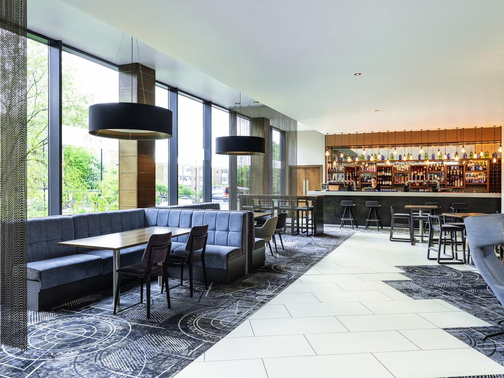 MERCURE BRISTOL HOLLAND HOUSE. Id?al pour un s?jour d'affaires ou de loisirs, le Mercure Bristol Holland House Hotel & Spa est un ?tablissemen