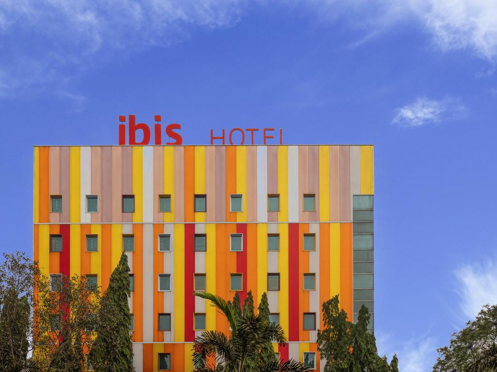 ibis Navi Mumbai. Situ? au coeur des quartiers d'affaires et commer?ants, l'ibis Navi Mumbai Hotel vous propose de nombreuses chambres et un acc?s WIF