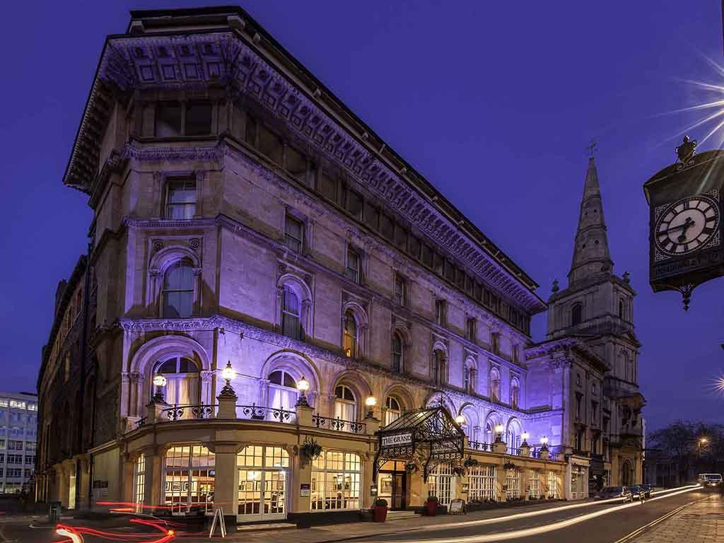 Mercure Bristol Grand Hotel. Le Mercure Bristol Grand Hotel est un b?timent class? qui a fait l'objet d'une grande r?novation. Dot? de 182 chambres, l