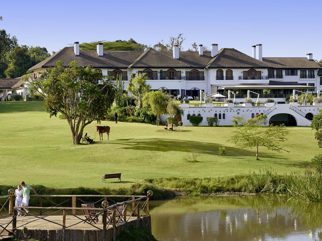 Fairmont Mount Kenya Safari Club. Offrant une magnifique vue sur le Mont Kenya, les 120 chambres luxueuses du Fairmont Mount Kenya Safari Club Resort,